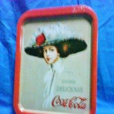 Coleccionismo de Coca-Cola y Pepsi: BANDEJA METAL - COCA-COLA - OFICIAL / EEUU - DELICIOUS - VER FOTO - AÑOS 90. Lote 37133550