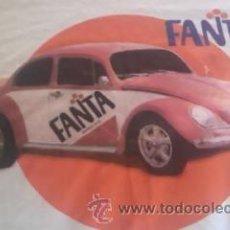 Coleccionismo de Coca-Cola y Pepsi: CAMISETA DE FANTA NARANJA CO UN COCHE ESCARABAJO. TALLA M. Lote 38924321