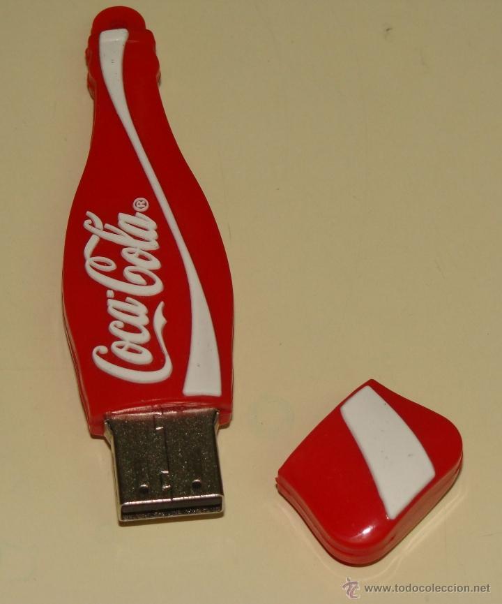 BONITO PENDRIVE USB, FORMA DE BOTELLA DE COCA COLA. LEER DESCRIPCION. (Coleccionismo - Botellas y Bebidas - Coca-Cola y Pepsi)
