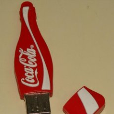 Coleccionismo de Coca-Cola y Pepsi: BONITO PENDRIVE USB, FORMA DE BOTELLA DE COCA COLA. LEER DESCRIPCION. . Lote 39579201
