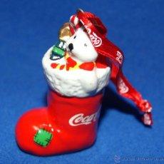 Coleccionismo de Coca-Cola y Pepsi: BOTA CON OSO Y REGALOS DE NAVIDAD PROMOCION DE COCA COLA, COCACOLA, CERAMICA, AÑO 2003/2005.. Lote 39863950