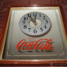 Coleccionismo de Coca-Cola y Pepsi: VINTAGE RELOJ ESPEJO DE COCACOLA ENMARCADO 42 X 37 CM HAY QUE REEMPLAZAR EL RELOJ. Lote 42315760