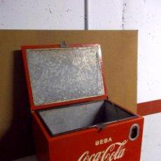 Coleccionismo de Coca-Cola y Pepsi: ANTIGUA NEVERA DE COCA COLA DE HIELO - BAR AÑOS 50 - ORIGINAL DE COCA-COLA - BUENISIMO ESTADO. Lote 43123119
