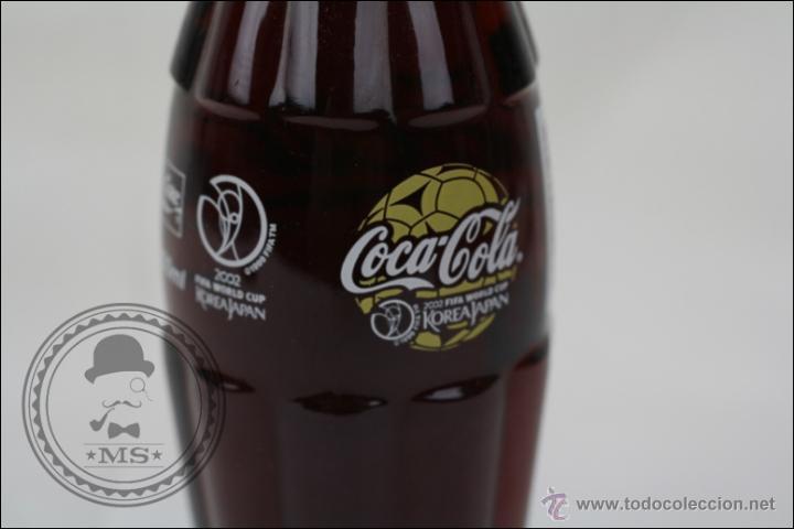 Coleccionismo de Coca-Cola y Pepsi: Botella de Coca Cola 250 Ml - Mundial de Fútbol de Corea 2002 - Llena - Medidas 19,5 Cm - Rareza - Foto 6 - 45243331