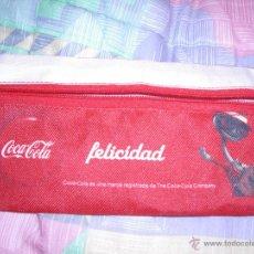 Coleccionismo de Coca-Cola y Pepsi: COCA COLA - PLUMIER DE TELA A ESTRENAR - FELICIDAD Y MASCOTA MUSICAL - 210X105 MM. Lote 46116464