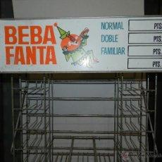 Coleccionismo de Coca-Cola y Pepsi: (M) EXPOSITOR DE METAL - BEBA FANTA AÑOS 60 - 70 , 180 X 27 X 27 CM, BUEN ESTADO. Lote 47207929
