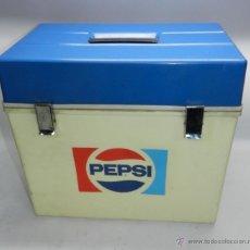 Coleccionismo de Coca-Cola y Pepsi: NEVERA PORTATIL CON PUBLICIDAD DE PEPSI, BUEN ESTADO, MIDE 43 X 40 X 27 CMS.. Lote 47427052