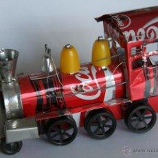 Coleccionismo de Coca-Cola y Pepsi: TREN DE JUGUETE LOCOMOTORA HECHO A MANO HOJALATA LATA DE COCA COLA PUBLICIDAD. Lote 47444540