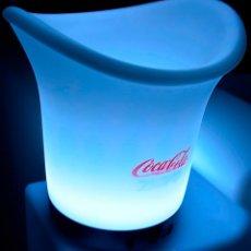 Coleccionismo de Coca-Cola y Pepsi: CUBITERA PLASTICO BLANCO CON LEDS COCA-COLA. Lote 49567803