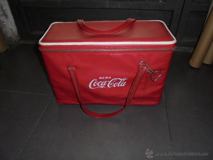 (M) ANTIGUA NEVERA AÑOS 60 CON SU ABRIDOR . DE VIAJE . - 41,5X18 CM. 27 CM. ALTURA (Coleccionismo - Botellas y Bebidas - Coca-Cola y Pepsi)