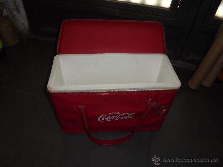 Coleccionismo de Coca-Cola y Pepsi: (M) ANTIGUA NEVERA AÑOS 60 CON SU ABRIDOR . DE VIAJE . - 41,5X18 CM. 27 CM. ALTURA - Foto 2 - 50039765