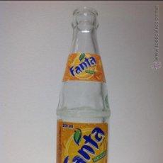 Coleccionismo de Coca-Cola y Pepsi: ANTIGUA BOTELLA DE * FANTA DE NARANJA * ETIQUETA DE PAPEL. Lote 51549937
