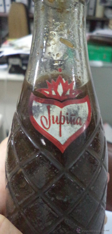 Coleccionismo de Coca-Cola y Pepsi: ANTIGUA BOTELLA DE REFRESCO JUPIÑA. LLENA. VER FOTOS. 21CM ALTO. - Foto 3 - 51554399