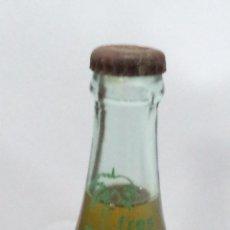 Coleccionismo de Coca-Cola y Pepsi: ANTIGUA BOTELLA DE REFRESCO FRES. HECHO EN CUBA. LLENA. 19CM ALTO. VER FOTOS. Lote 51554410