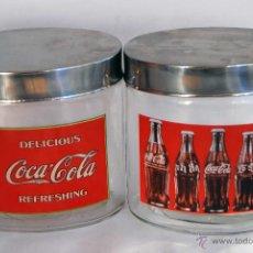 Coleccionismo de Coca-Cola y Pepsi: 2 BOTES DE CRISTAL Y TAPA DE METAL COCA COLA MIDEN 13 CM DELICIOUS REFRESHING TARROS TARROS COCACOLA. Lote 143110401
