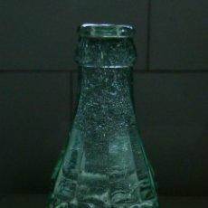 Coleccionismo de Coca-Cola y Pepsi: ANTIGUO BOTELLIN DE COCA COLA CON MARCA EN CRISTAL GRABADO. Lote 52762573
