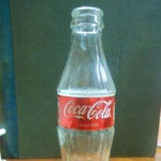Coleccionismo de Coca-Cola y Pepsi: BOTELLA DE COCA COLA DE UK 200 ML.. Lote 54205601