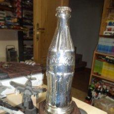Coleccionismo de Coca-Cola y Pepsi: BOTELLA DE COCA COLA METÁLICA CROMADA.TROFEO CAMPEONATO DE SKY.. Lote 54623163