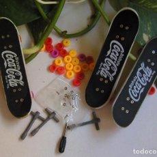 Coleccionismo de Coca-Cola y Pepsi: LOTE DE TRES MONOPATINES MINIATURAS MONOPATIN DE PROPAGANDA COCA COLA CON RECAMBIOS Y HERRAMIENTAS. Lote 61673928