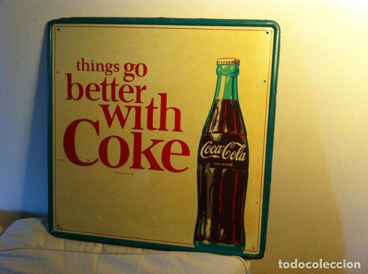 Coleccionismo de Coca-Cola y Pepsi: Vintage 1964 Coca-Cola Tin Advertising Sign. Original / Antigua Placa Chapa Coca-Cola Coke de 1964 - Foto 2 - 68366921
