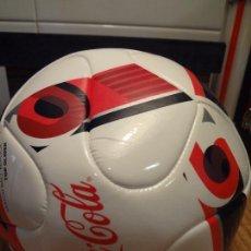 Coleccionismo de Coca-Cola y Pepsi: BALÓN PELOTA + INFLADOR DE COCA-COLA. Lote 72829027