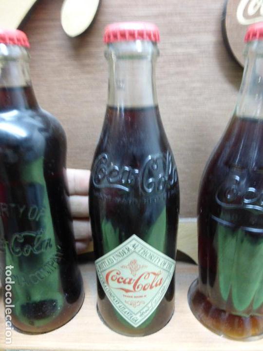 Coleccionismo de Coca-Cola y Pepsi: COCA COLA 125 AÑOS - EXPOSITOR CON LAS 3 PRIMERAS BOTELLAS 1899 1900 1915- Reedición conmemorativa - - Foto 8 - 228598925