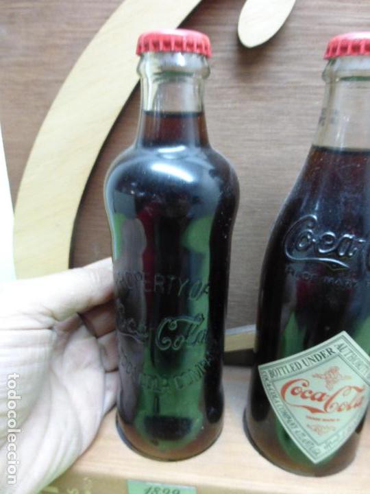 Coleccionismo de Coca-Cola y Pepsi: COCA COLA 125 AÑOS - EXPOSITOR CON LAS 3 PRIMERAS BOTELLAS 1899 1900 1915- Reedición conmemorativa - - Foto 9 - 228598925