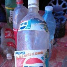 Coleccionismo de Coca-Cola y Pepsi: ANTIGUA BOTELLA PLASTICO ETIQUETA REFRESCO GASEOSA PEPSI COLA LAS PALMAS PROMOCION RARA 1,5 LITRO. Lote 76510155