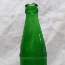 Coleccionismo de Coca-Cola y Pepsi: BOTELLA VERDE , PROPIEDAD COCA COLA. Lote 83867204