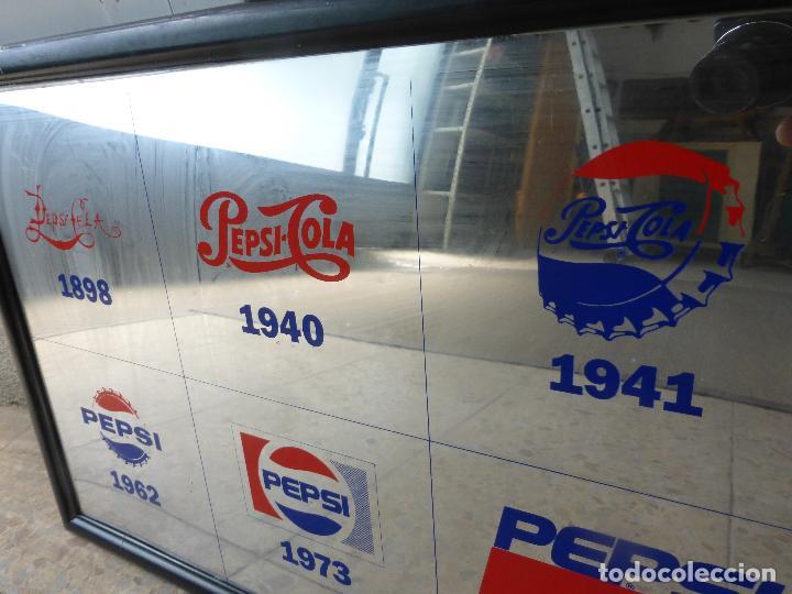 ANTIGUO CUADRO ESPEJO PUBLICIDAD PEPSI COLA-MARCA EN DIFERENTES AÑOS-1898-1940-1941-1962-1973-1992 (Coleccionismo - Botellas y Bebidas - Coca-Cola y Pepsi)