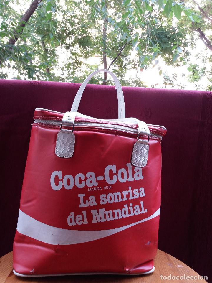 Coleccionismo de Coca-Cola y Pepsi: NEVERA COCA COLA MUNDIAL 82, CON DOS ASAS - Foto 2 - 87662072