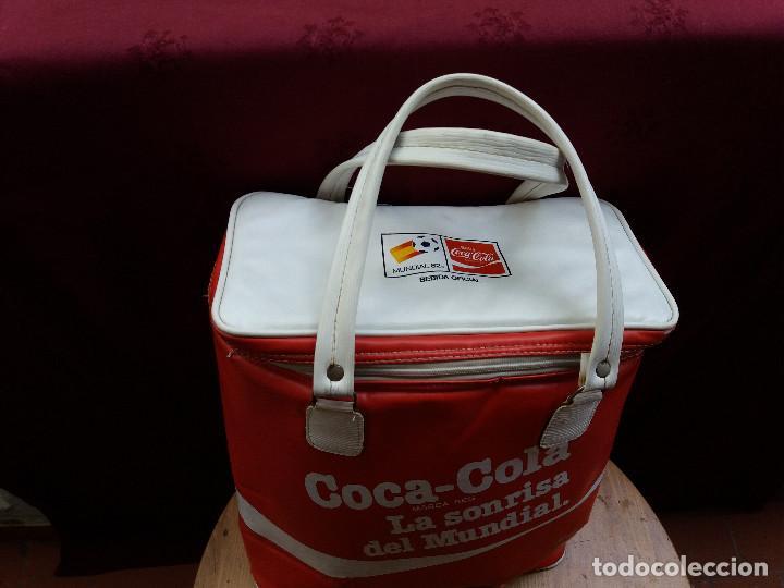 Coleccionismo de Coca-Cola y Pepsi: NEVERA COCA COLA MUNDIAL 82, CON DOS ASAS - Foto 18 - 87662072