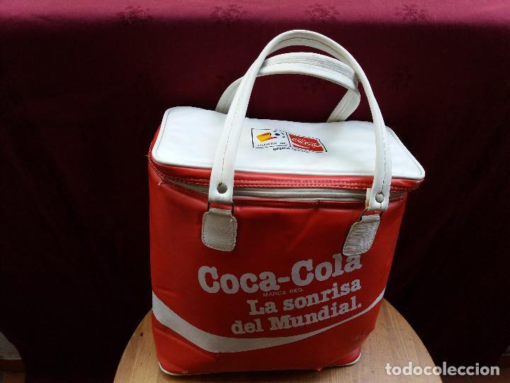 Coleccionismo de Coca-Cola y Pepsi: NEVERA COCA COLA MUNDIAL 82, CON DOS ASAS - Foto 19 - 87662072