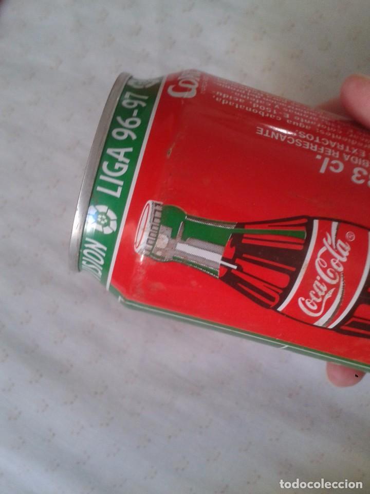 Coleccionismo de Coca-Cola y Pepsi: ANTIGUA LATA DE COCACOLA COCA COLA REAL SOCIEDAD SAN SEBASTIAN EQUIPOS FÚTBOL LIGA 96 97 1996 1997 - Foto 4 - 91432520
