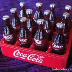 Coleccionismo de Coca-Cola y Pepsi: MINIATURA COCA COLA COKE - CAJA CON 12 BOTELLAS -. Lote 178171710