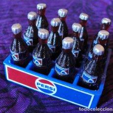 Coleccionismo de Coca-Cola y Pepsi: MINIATURA PEPSI COLA - CAJA CON 12 BOTELLAS -. Lote 178171725