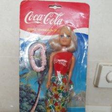 Coleccionismo de Coca-Cola y Pepsi: MUÑECA COCA COLA 29CM POUPEE MANNEQUIN DELAVENNAT ENVASE ORIGINAL MUY DIFICIL. Lote 96338239