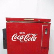 Coleccionismo de Coca-Cola y Pepsi: NEVERA COCA COLA - BAR - METÁLICA - BEBA COCA COLA - MONEDERO - VINTAGE - FUNCIONA - AÑO 1969. Lote 96786187