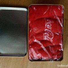 Coleccionismo de Coca-Cola y Pepsi: CAJA DE LATA Y MANTA DE COCA COLA A ESTRENAR. Lote 97265491