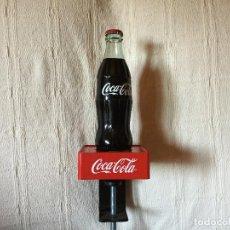 Coleccionismo de Coca-Cola y Pepsi: ABREBOTELLAS O SACACORCHOS DE MOSTRADOR. COCA COLA. Lote 98358299