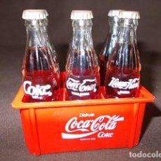 Coleccionismo de Coca-Cola y Pepsi: CAJA MINIATURA BOTELLAS DE COCACOLA DE DIFERENTES PAISES . Lote 98746203