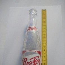 Coleccionismo de Coca-Cola y Pepsi: BOTELLA PEPSI COLA AÑOS 70. Lote 100443636