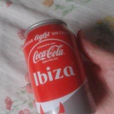 Coleccionismo de Coca-Cola y Pepsi: LATA DE COCA COLA COCACOLA COMPARTE UNA EN IBIZA BALEARES ESPAÑA SPAIN VER FOTO/S LIGHT BIEN FRÍA . Lote 100913943