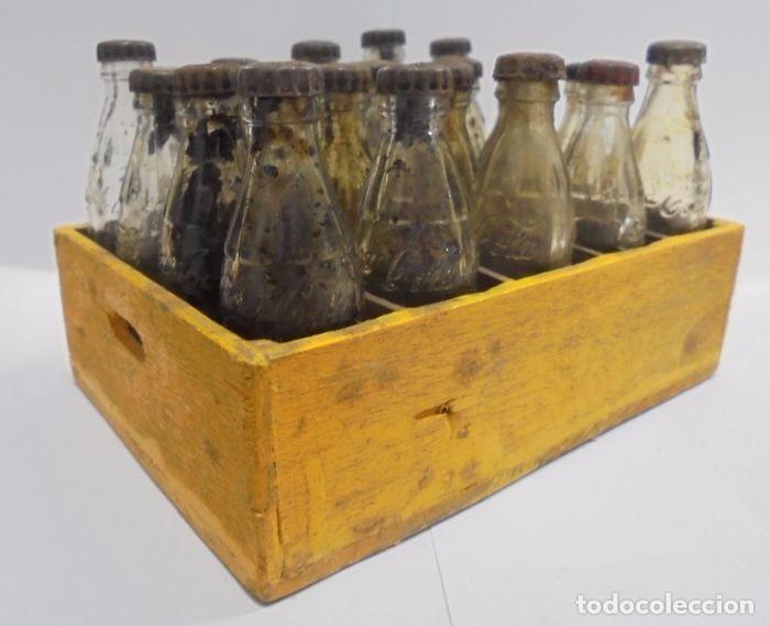 Coleccionismo de Coca-Cola y Pepsi: Caja con 20 botellas de Coca Cola.miniatura .Publicitaria. Años 50. Ver fotos - Foto 5 - 101255459