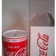 Coleccionismo de Coca-Cola y Pepsi: HUCHA HOJALATA COCA COLA VINTAGE. Lote 103436375