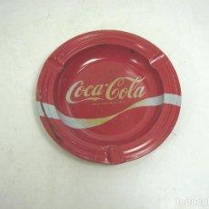 Coleccionismo de Coca-Cola y Pepsi: RARO Y ANTIGUO CENICERO CHAPA - COCA-COLA - LATA - COCACOLA COKE , AÑOS 80. Lote 106006123