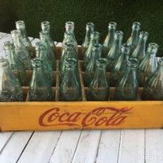Coleccionismo de Coca-Cola y Pepsi: CAJA MADERA COCA COLA BOTELLAS RELIEVE AÑOS 50. Lote 109371736