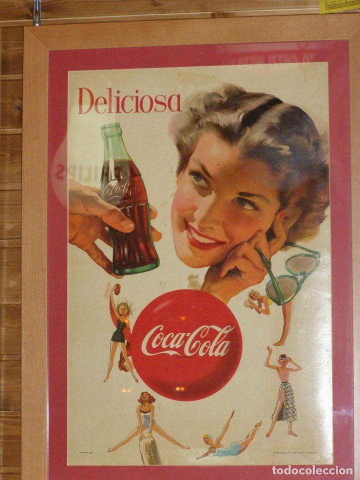 CARTEL COCA-COLA ESPAÑOL IMPRESO POR SEIX BARRAL. ORIGINAL DE 1950S (Coleccionismo - Botellas y Bebidas - Coca-Cola y Pepsi)