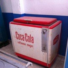 Coleccionismo de Coca-Cola y Pepsi: MAQUINA BOTELLERO COCA COLA XL AÑOS 60. 105 X 57 X 110 CM. Lote 111534411