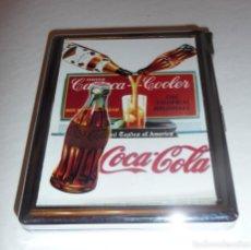 Coleccionismo de Coca-Cola y Pepsi: PITILLERA CON MECHERO COCA-COLA (FUNCIONA). Lote 112236459